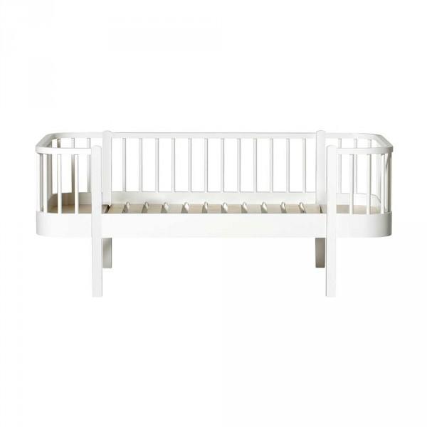 Oliver Furniture Wood Junior-Bettsofa weiss