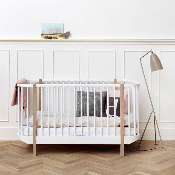 h henverstellbares babybett bei kinder r ume aus d sseldorf kinder r ume. Black Bedroom Furniture Sets. Home Design Ideas