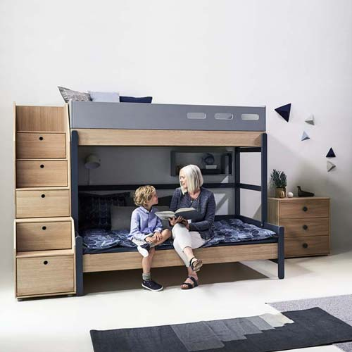 etagenbett mit treppe bei kinder r ume aus d sseldorf kinder r ume. Black Bedroom Furniture Sets. Home Design Ideas