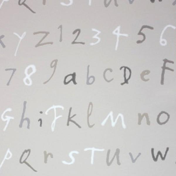 Osborne & Little Tapete Buchstaben sand