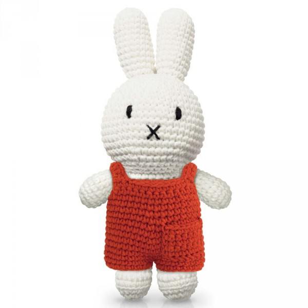 Just Dutch Miffy Häkelpuppe Hase Latzhose rot